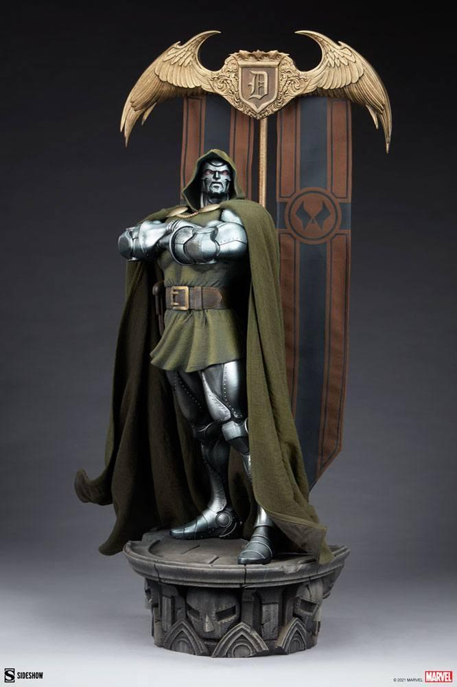 Statuette Marvel Doctor Doom 69cm