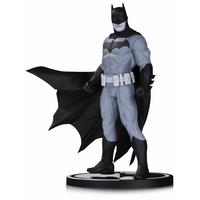 Statuette Batman Black & White Batman by Jonathan Matthews 18cm