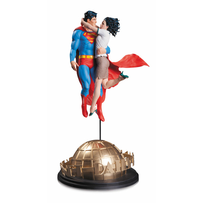 Statuette DC Comics Designer Superman & Lois Lane by Tim Bruckner 42cm
