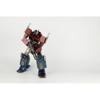Figurine Transformers Generation 1 Optimus Prime Classic Edition 41cm