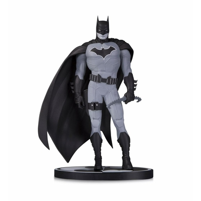 Statuette Batman Black & White Batman by John Romita Jr. 19cm