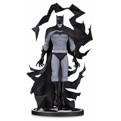 Statuette Batman Black & White Batman by Becky Cloonan SDCC 2017 18cm