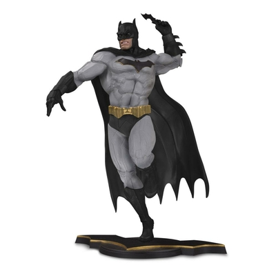 Statuette DC Core Batman Gray Variant Exclusive 26cm