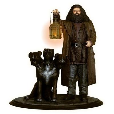 Statuette Harry Potter Premium Motion Hagrid & Fluffy 25cm