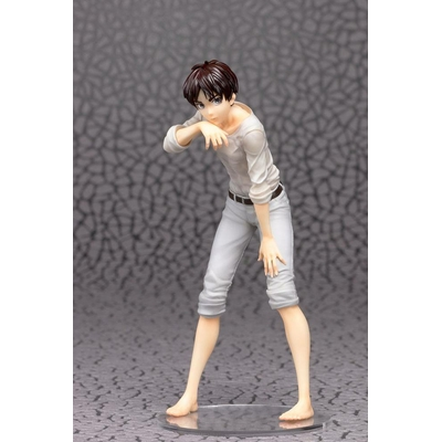 Statuette Attack on Titan Eren 19cm