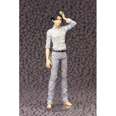 Statuette Attack on Titan Levi 21cm