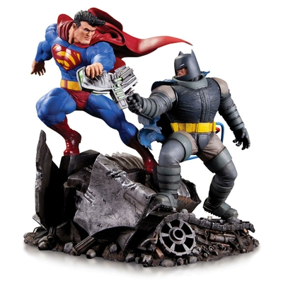 Statuette DC Comics Mini Battle Batman vs. Superman 16cm