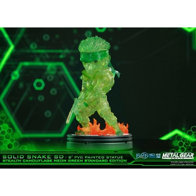 Statuette Metal Gear Solid SD Solid Snake Stealth Camouflage Neon Green Ver. 20cm