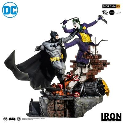 Diorama DC Comics Batman vs Joker Battle by Ivan Reis 52cm