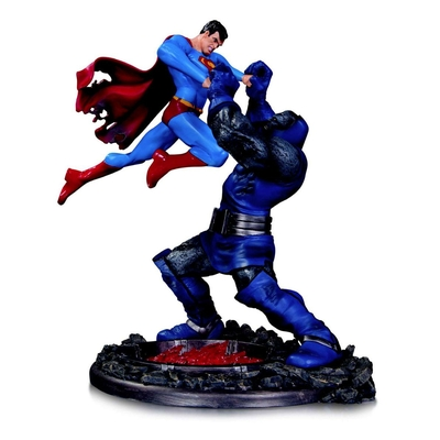 Statuette DC Comics Superman vs. Darkseid 3nd Edition 18cm
