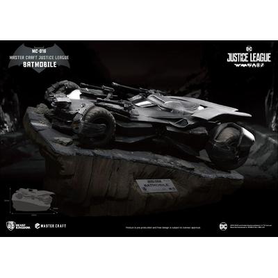 Statuette Justice League Master Craft Batmobile 40cm