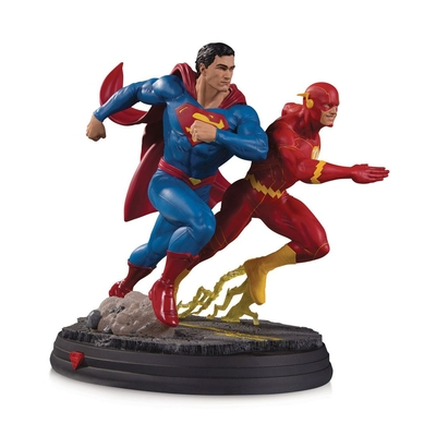 Statuette DC Gallery Superman vs The Flash Racing 2nd Edition 26cm
