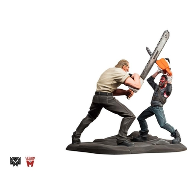 Statuette Mandy Chainsaw Battle 25cm