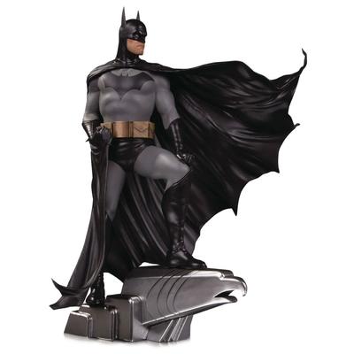 Statuette DC Designer Series Batman by Alex Ross Deluxe 35cm