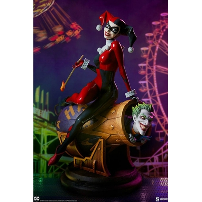 Diorama DC Comics Harley Quinn and The Joker 35cm