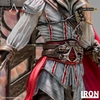 Statuette Assassins Creed II Art Scale Ezio Auditore Deluxe 31cm 1001 figurines (9)