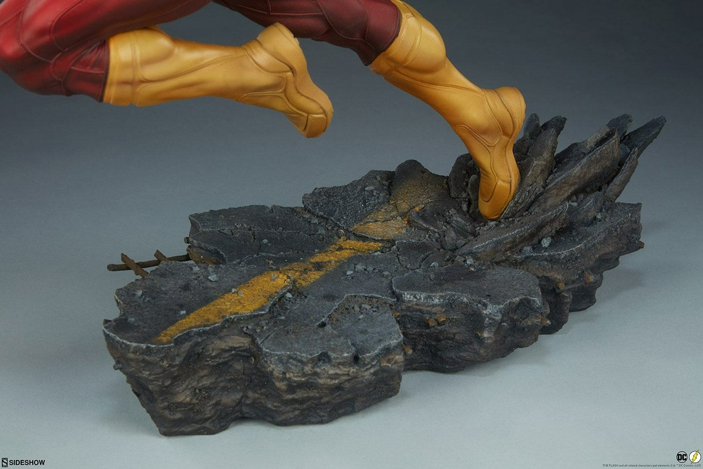 Statuette DC Comics Premium Format The Flash 43cm 1001 Figurines (17)