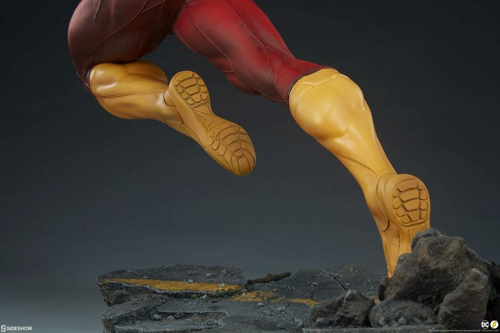 Statuette DC Comics Premium Format The Flash 43cm 1001 Figurines (18)
