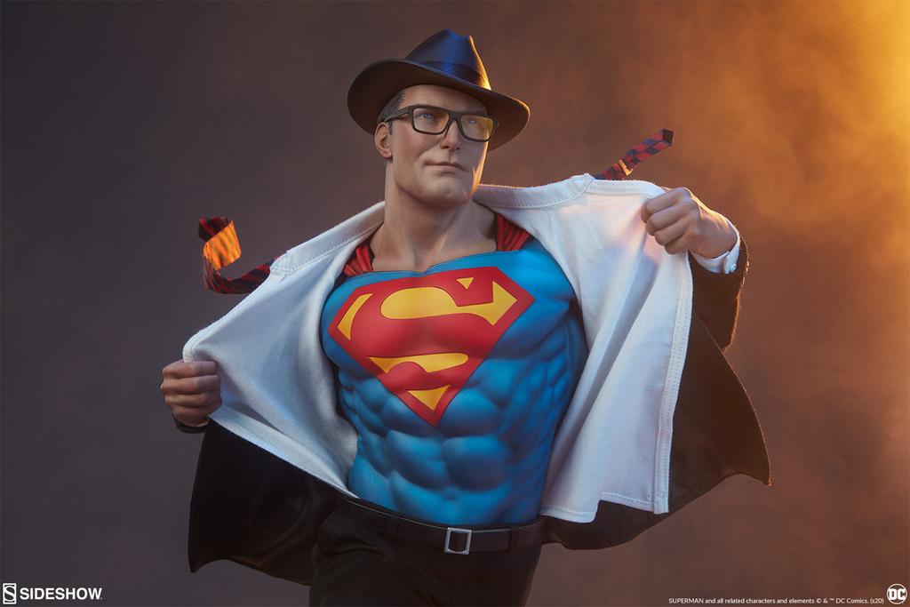Statuette DC Comics Premium Format Superman Call to Action 50cm 1001 Figurines (1)