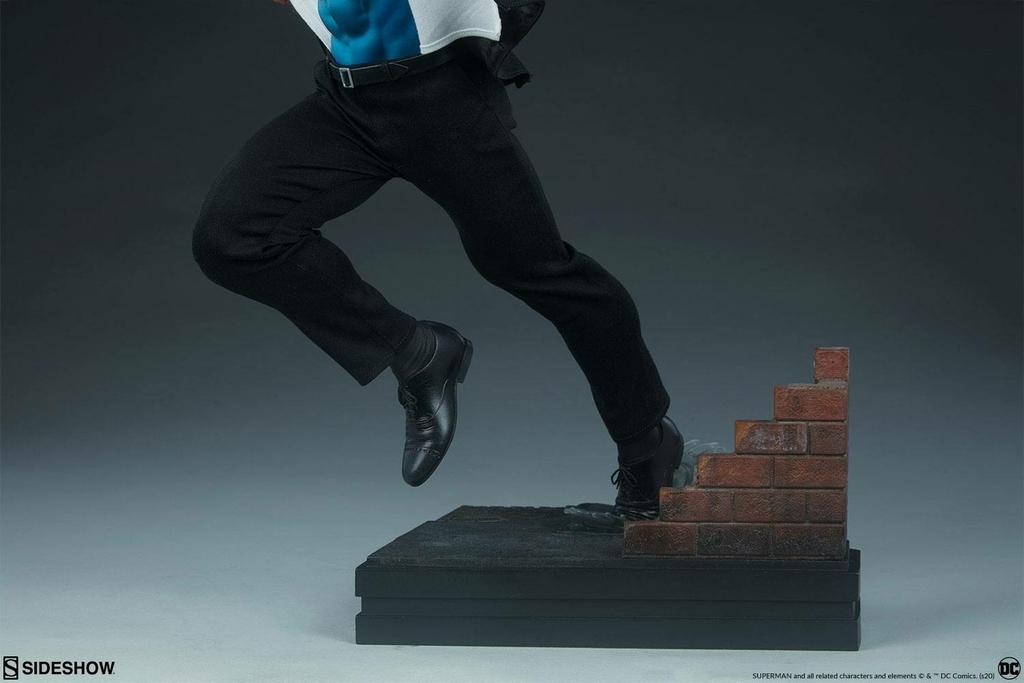 Statuette DC Comics Premium Format Superman Call to Action 50cm 1001 Figurines (16)