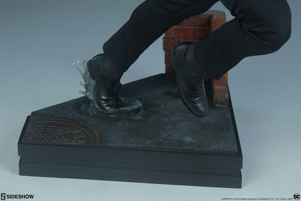 Statuette DC Comics Premium Format Superman Call to Action 50cm 1001 Figurines (18)