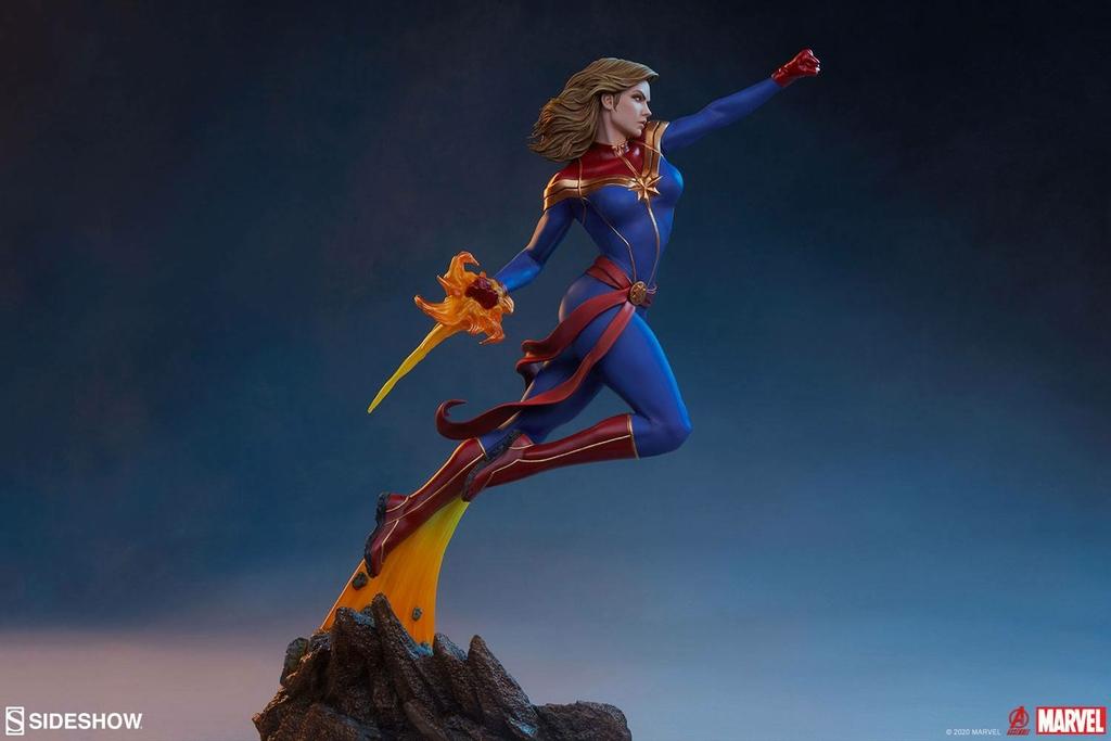 Statuette Avengers Assemble Captain Marvel 41cm 1001 Figurines (3)