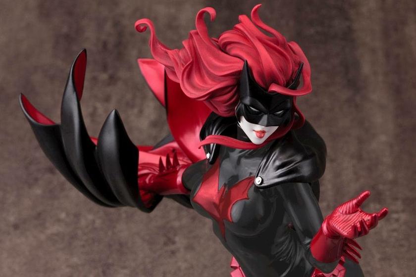 Statuette DC Comics Bishoujo Batwoman 2nd Edition 25cm 1001 figurines (5)
