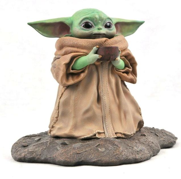 Statuette Star Wars The Mandalorian Premier Collection The Child Soup 17cm 1001 Figurines (2)