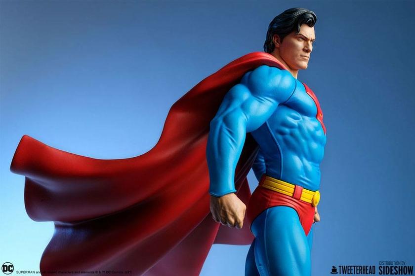 Statue DC Comics Superman 52cm 1001 Figurines (18)