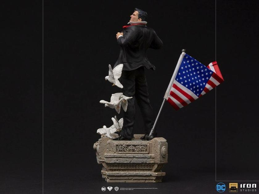 Statuette DC Comics Deluxe Art Scale Clark Kent 29cm 1001 Figurines (3)