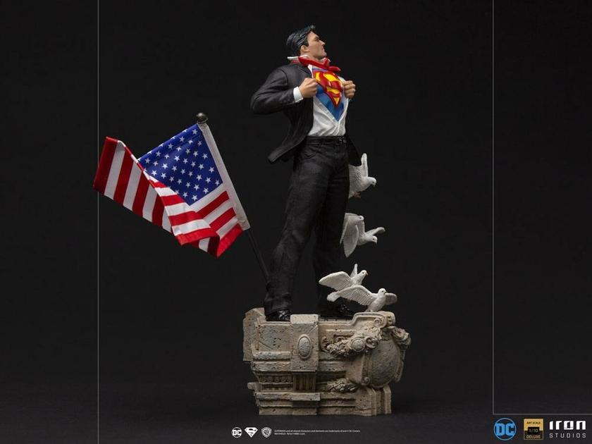 Statuette DC Comics Deluxe Art Scale Clark Kent 29cm 1001 Figurines (5)