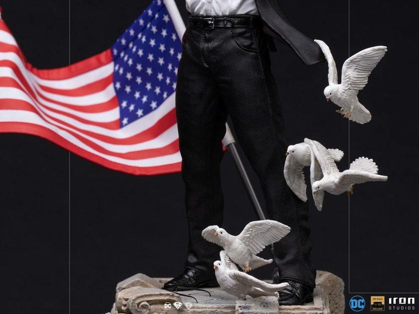 Statuette DC Comics Deluxe Art Scale Clark Kent 29cm 1001 Figurines (10)