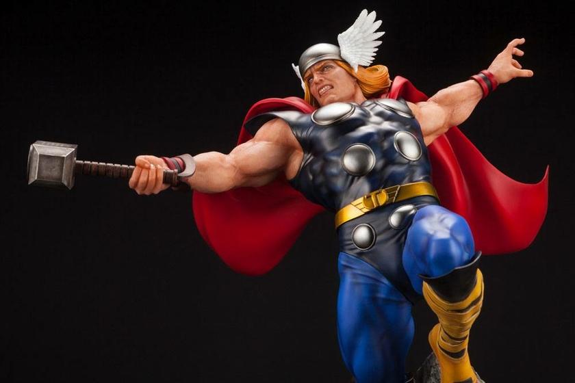Statuette Marvel Avengers Fine Art Thor 44cm 1001 Figurines (13)