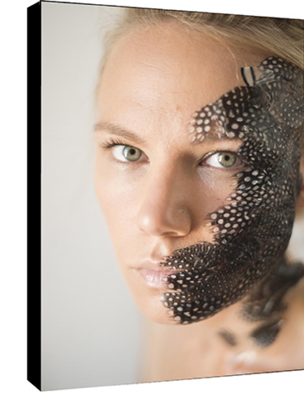 la pintade,  par la photographe Sylwia Bernat,  Dim: 50 cm x 70 cm