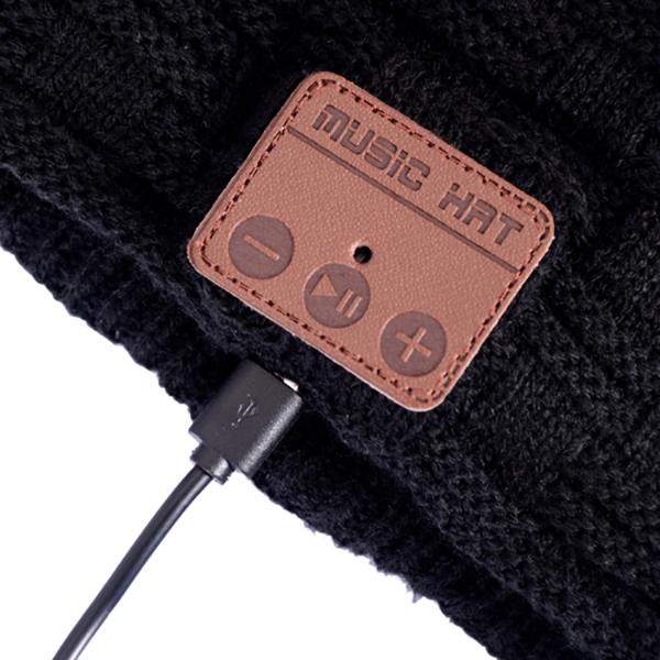 bonnet-avec-ecouteur-integré-bluetooth-NOIR-PC-the-little-boutique-nice-1