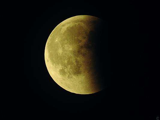 eclipse-lune-juillet-2018-photographe-clotilde-Hocquard
