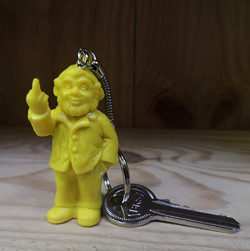 Porte clef, le fameux nain doigt d\'honneur de Ottmar Hörl, Jaune