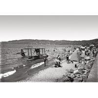 Impression photo sur toile, avion sur la plage de Juan les pins vers 1920