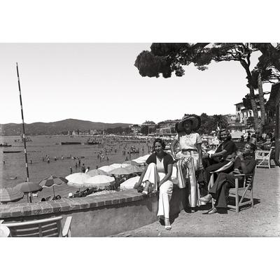 les élegantes à Juan les pins vers 1930