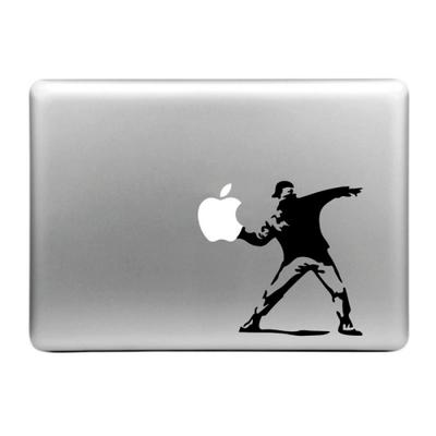 Sticker pour MacBook , lanceur de pommes de Banksy