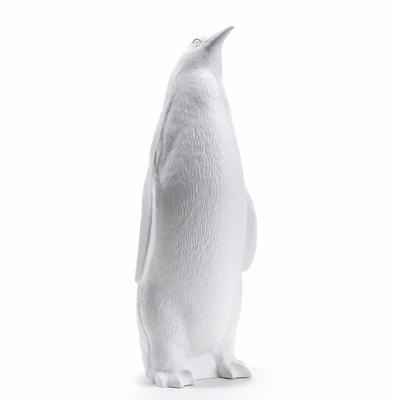 Le Pingouin Tête Haute, Head up, de Ottmar Hörl      (Pinguin aufrecht, 2006)