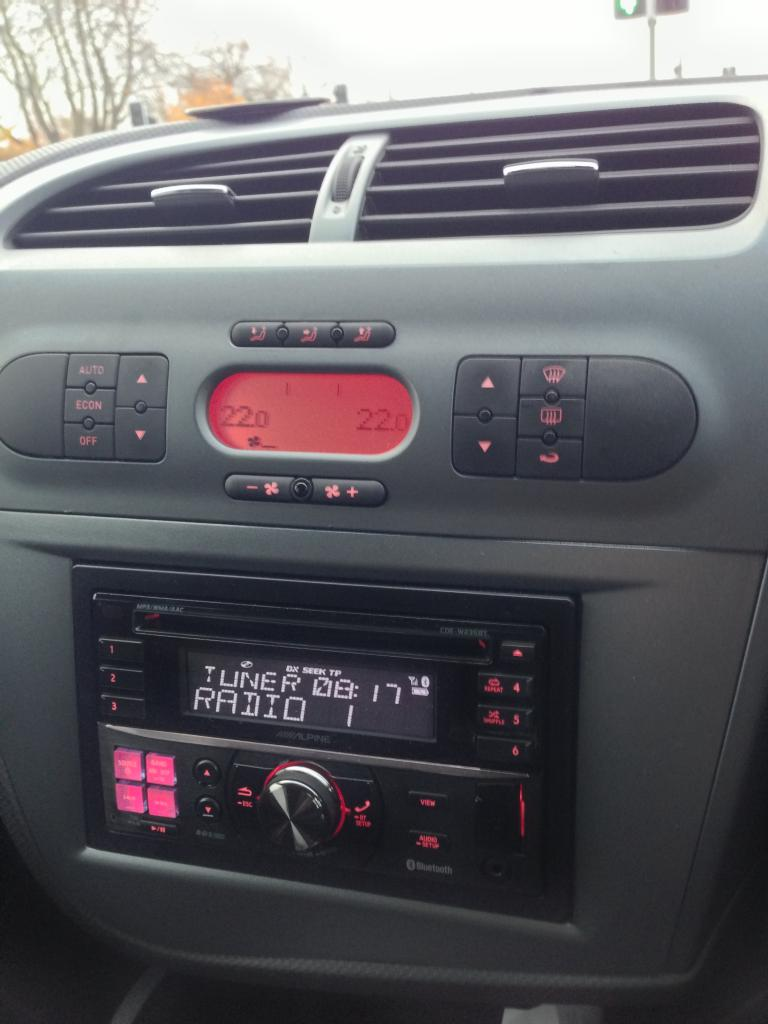autoradio 2 din seat leon 09 2005 2010 usb cd bluetooth mp3 autoradios gps. Black Bedroom Furniture Sets. Home Design Ideas