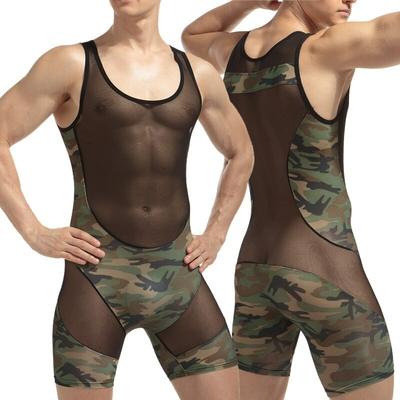 Combinaison pour homme camouflage et voile