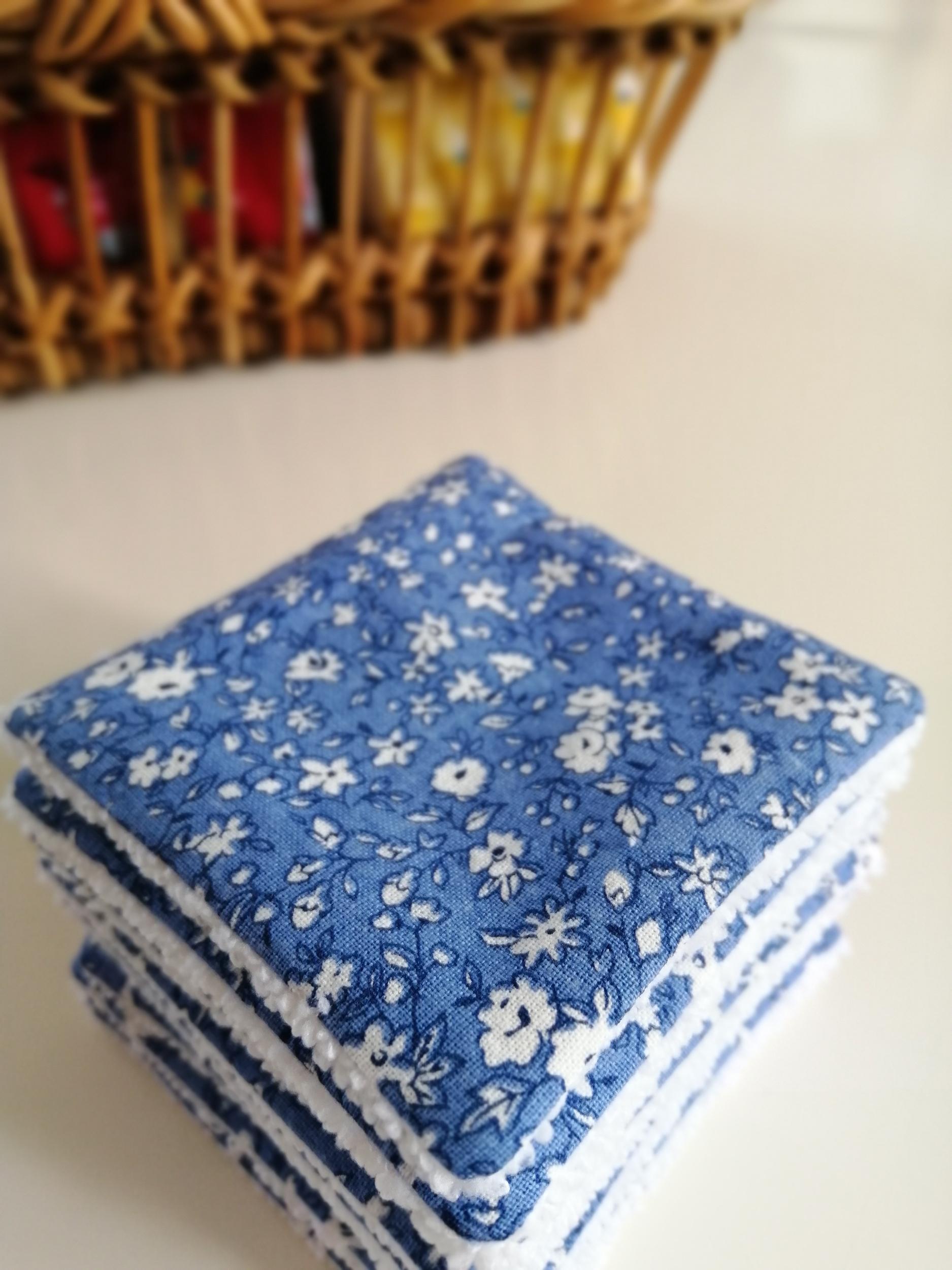 Lot de 8 lingettes démaquillantes lavables bleues