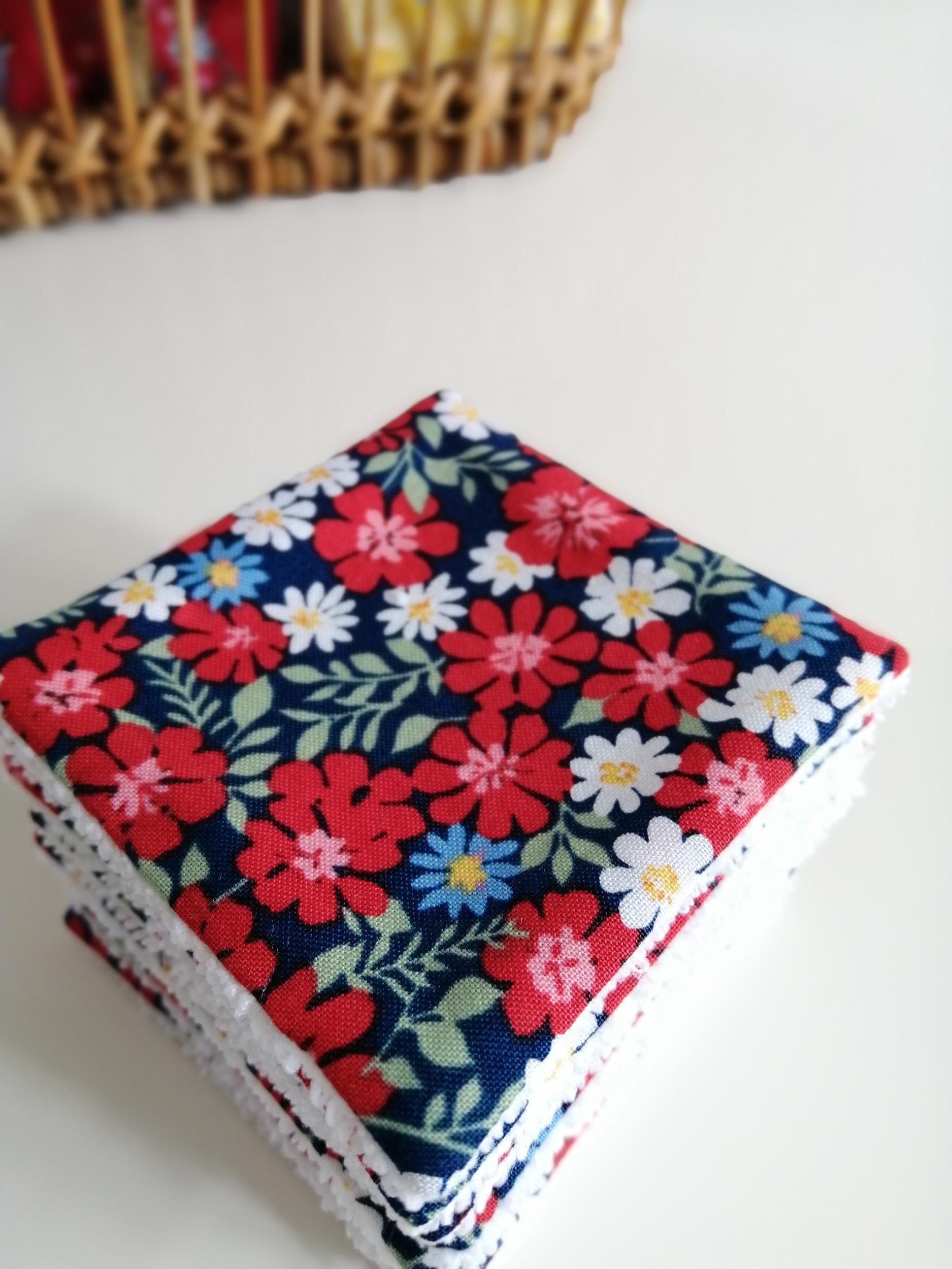 Lot de 8 lingettes démaquillantes lavables motif fleurs multicolores