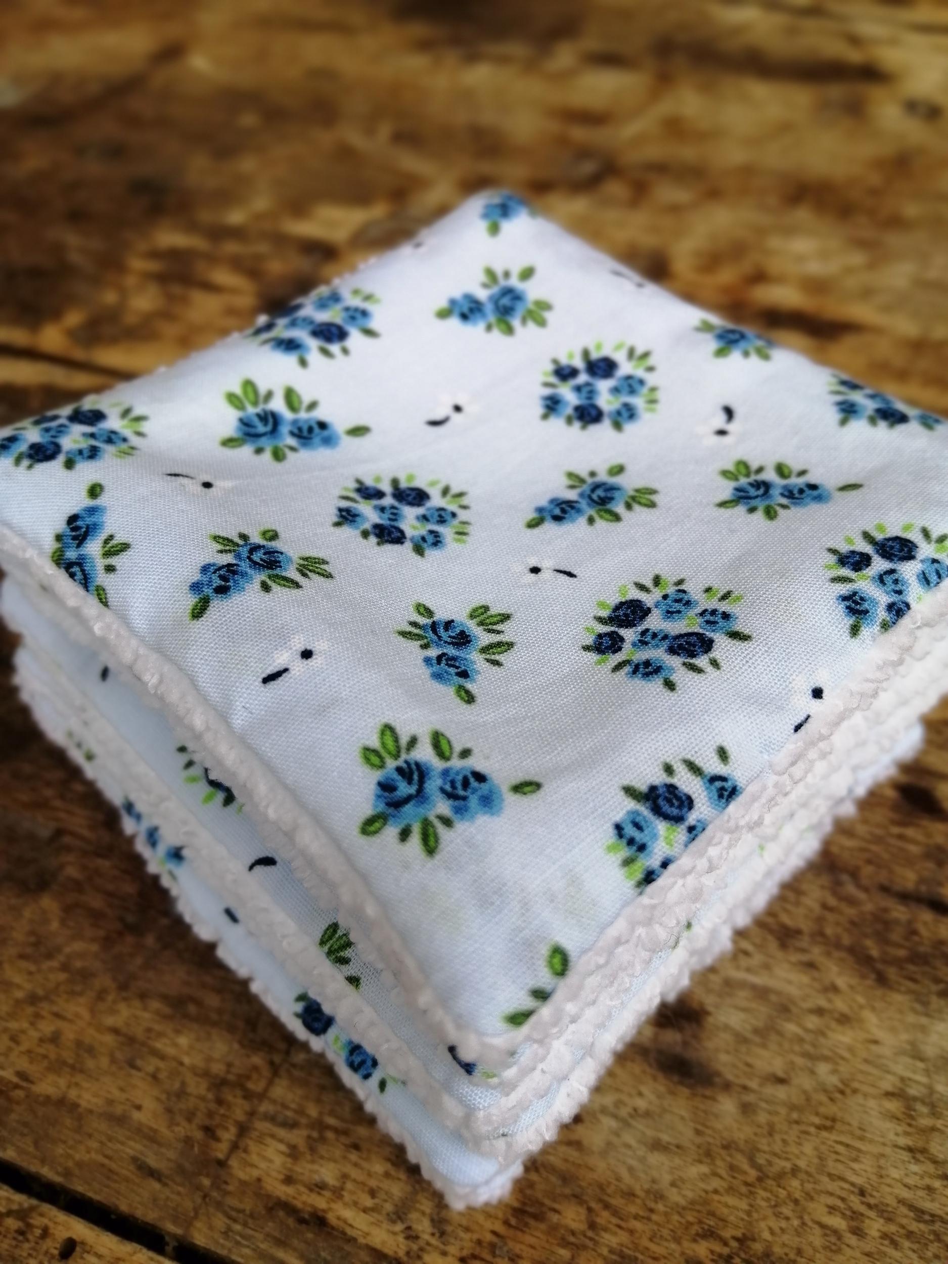 Lingettes-bouquet-bleu-1