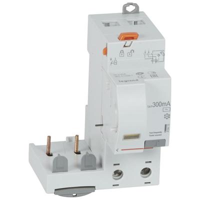 Legrand - Bloc diff adapt DX³-Vis-2P-230/400 V~-40 A-type AC-300 mA-disj 1 mod/pôle - 410413