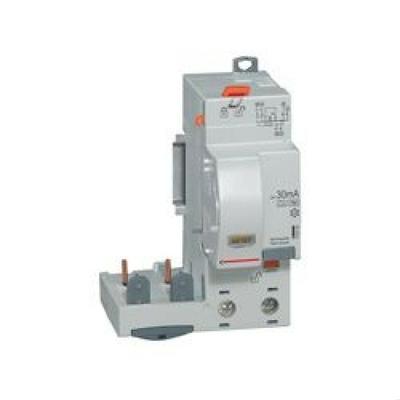 Legrand - Bloc diff adapt DX³-Vis-2P-230/400 V~-40 A-type AC-30 mA-disj 1 mod/pôle - 410401