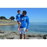 Mini Hoodie ART Lespiègle 5-6 ans porté par Sacha et Hoodie ART Le matinal Blue M porté par Guillaume JPG