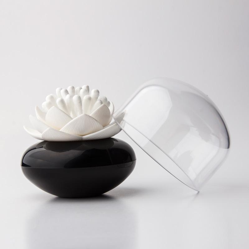 distributeur de coton tige lotus blanc et noir d co paniers boites et petits rangements. Black Bedroom Furniture Sets. Home Design Ideas